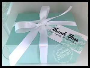 Tiffany's inspired 20 cards/envelope box - www.SimplySimpleStamping.com